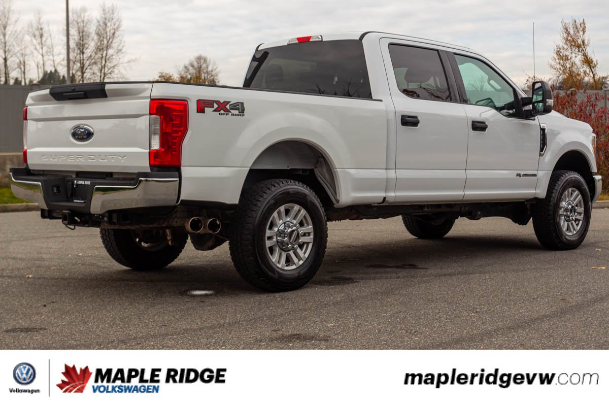 Pre-Owned 2017 Ford Super Duty F-350 SRW XLT 4WD, Diesel, ONE OWNER, NO ACCIDENTS, B.C. TRUCK!