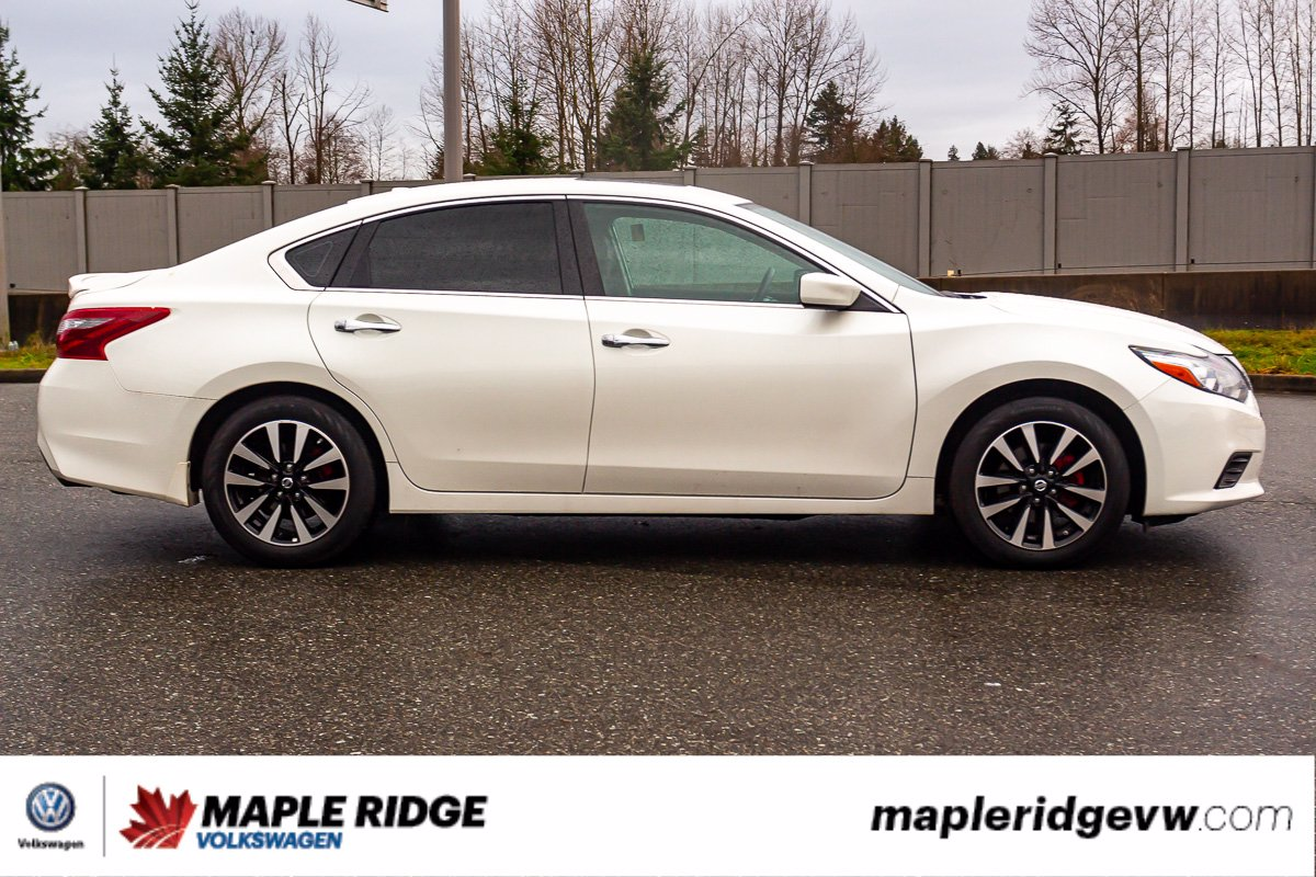 Pre-Owned 2018 Nissan Altima 2.5 SV SUNROOF, LEATHER, NO ACCIDENTS, B.C. CAR!