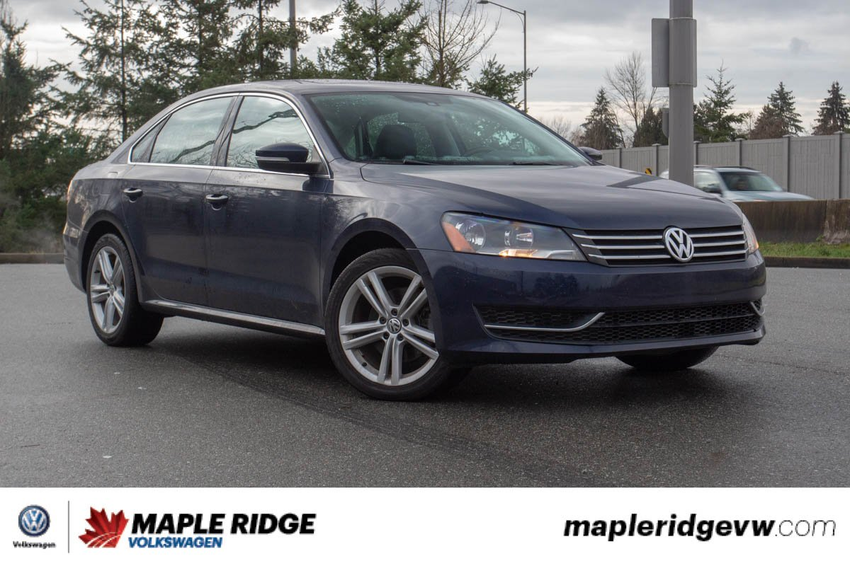 Pre-Owned 2013 Volkswagen Passat LOW KILOMETRES, GREAT CONDITION, FULLY LOADED!