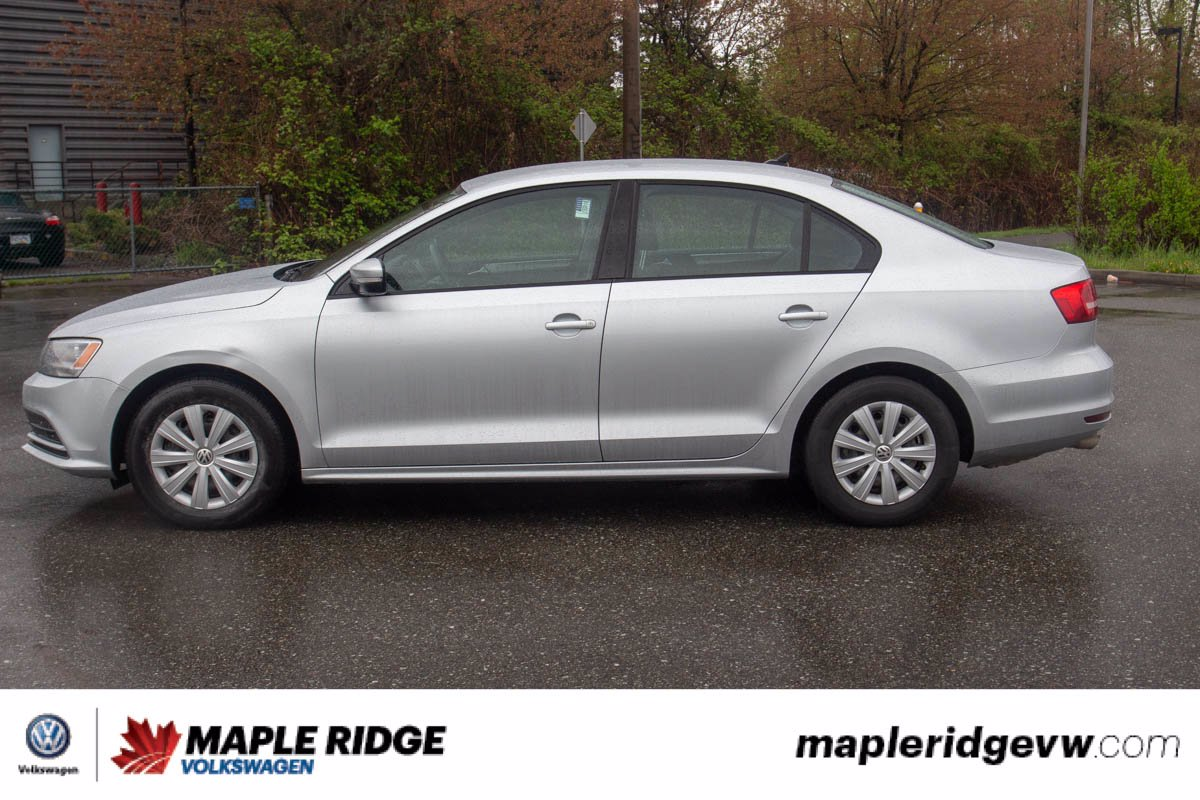 Certified Pre-Owned 2015 Volkswagen Jetta Sedan Trendline+ NO ACCIDENTS, MANUAL, HEATED SEATS, LOCAL!