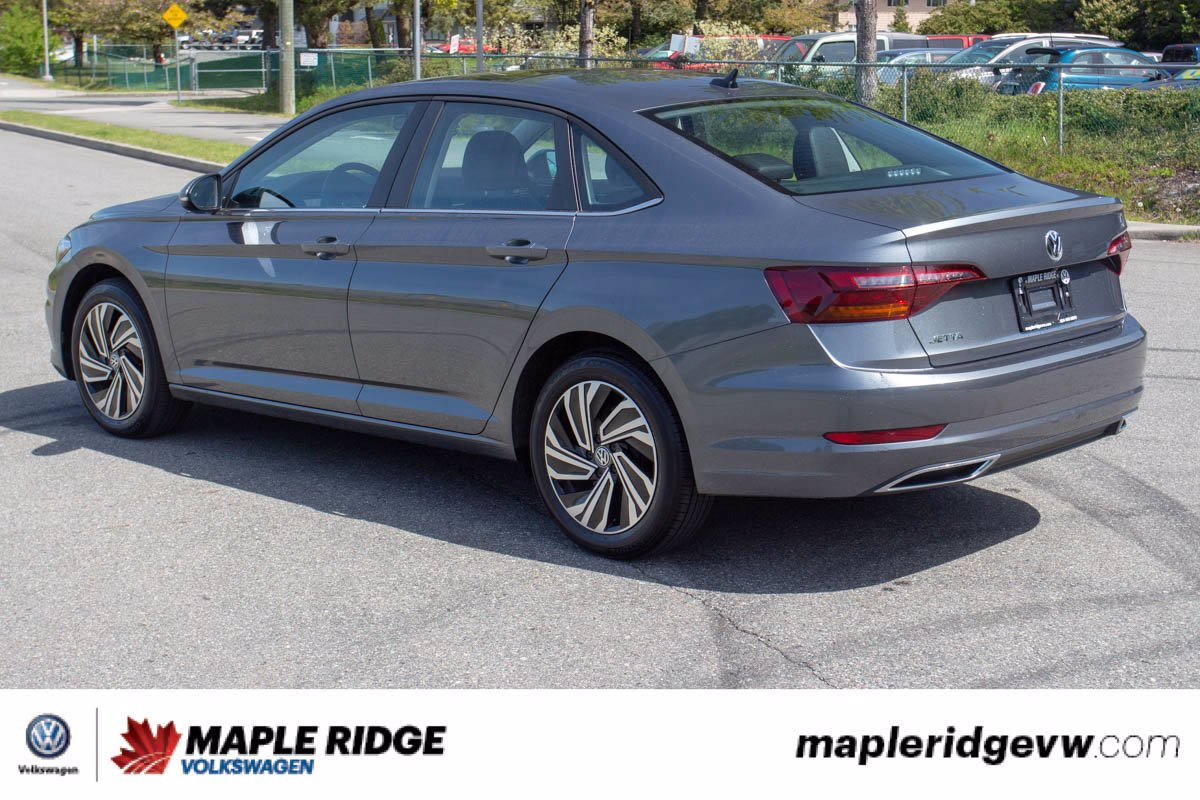 Certified Pre-Owned 2019 Volkswagen Jetta Execline LEATHER, NAV, PANO ROOF, ONE OWNER, MANUAL!