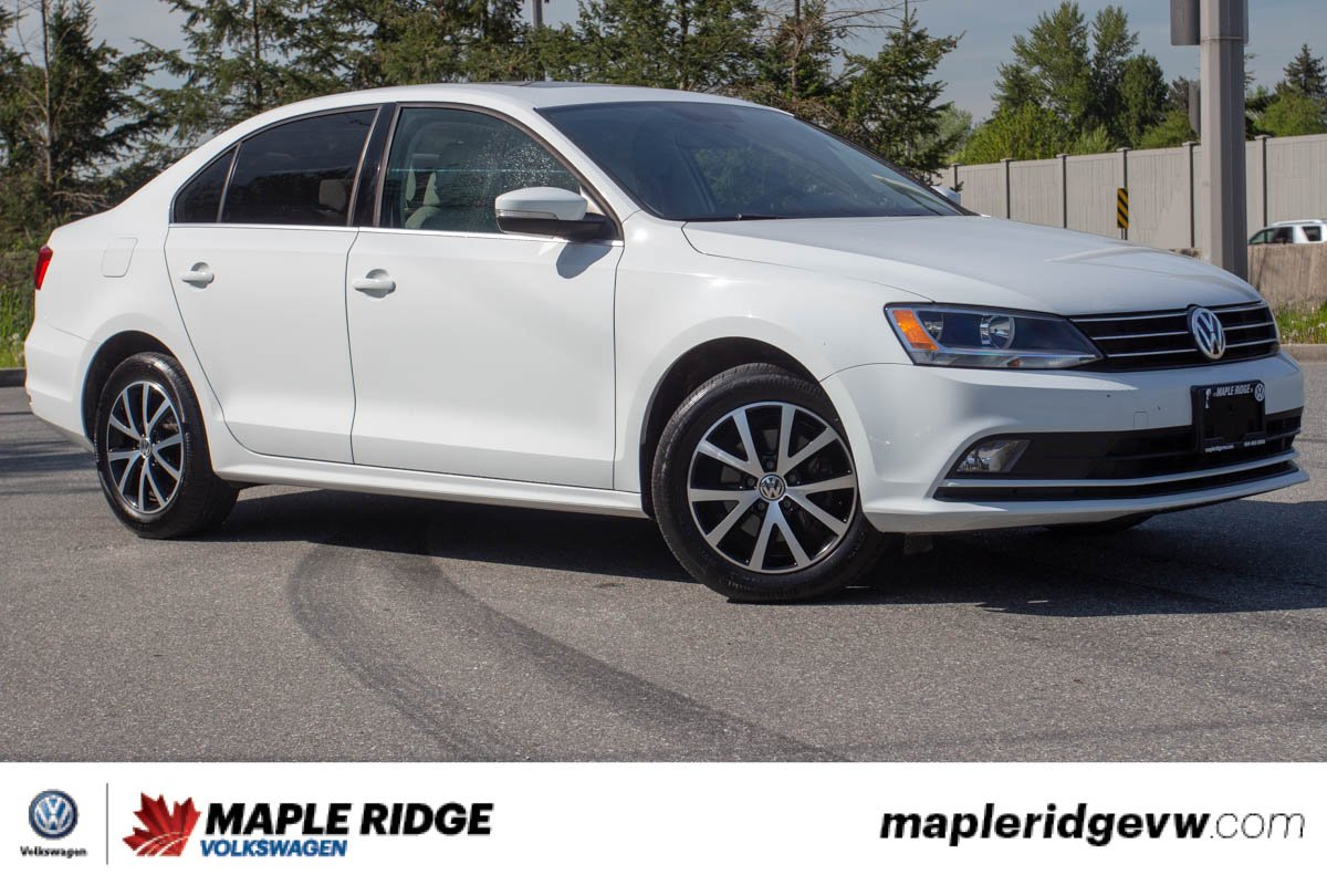 Pre-Owned 2015 Volkswagen Jetta Sedan Highline TDI BC CAR, LOW KM, MANUAL!