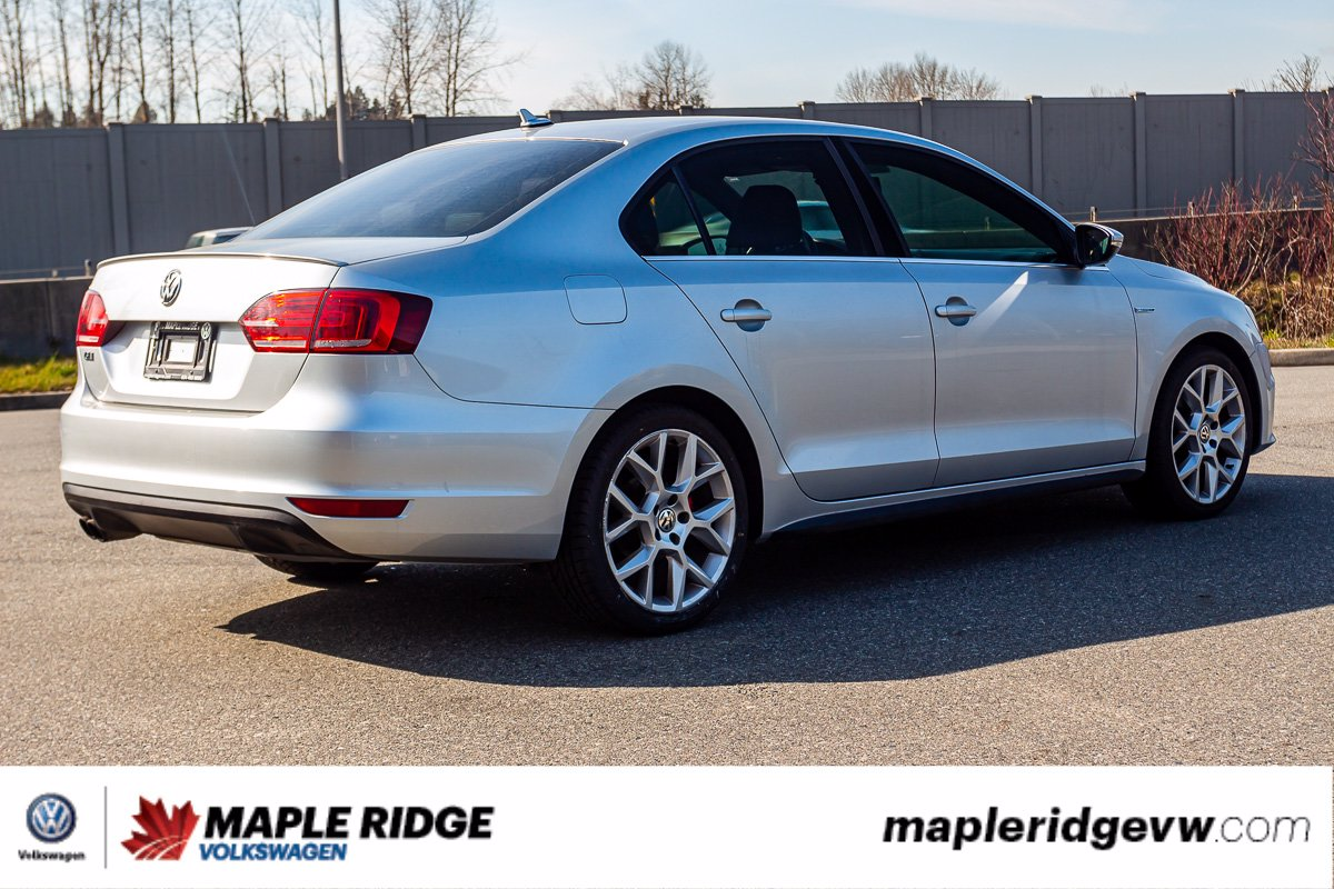 Pre-Owned 2014 Volkswagen Jetta Sedan GLI