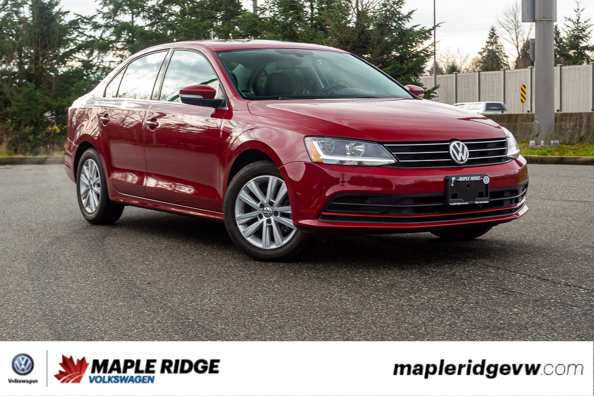 Pre-Owned 2017 Volkswagen Jetta Sedan Wolfsburg Edition SUNROOF, CAR PLAY, NO ACCIDENTS, LOCAL!