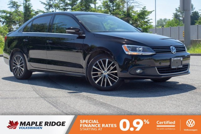 Certified Pre-Owned 2014 Volkswagen Jetta Sedan Highline LOCAL, MANUAL, GREAT ON GAS!
