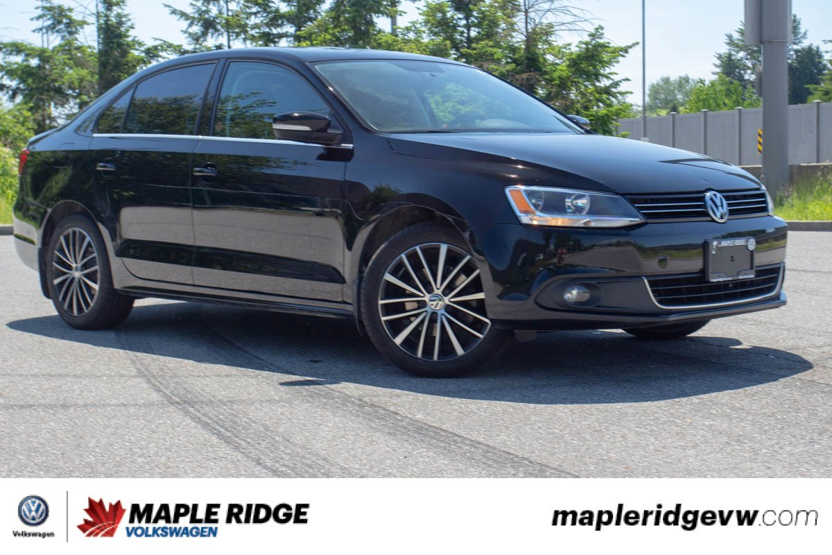 Pre-Owned 2014 Volkswagen Jetta Sedan Highline LOCAL, MANUAL, GREAT ON GAS!