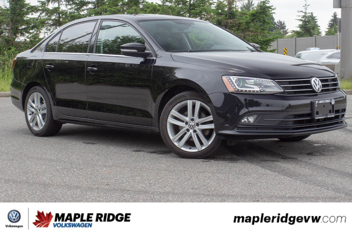 Pre-Owned 2016 Volkswagen Jetta Sedan Highline PRICED TO SELL, GREAT ON GAS, FULLY LOADED!