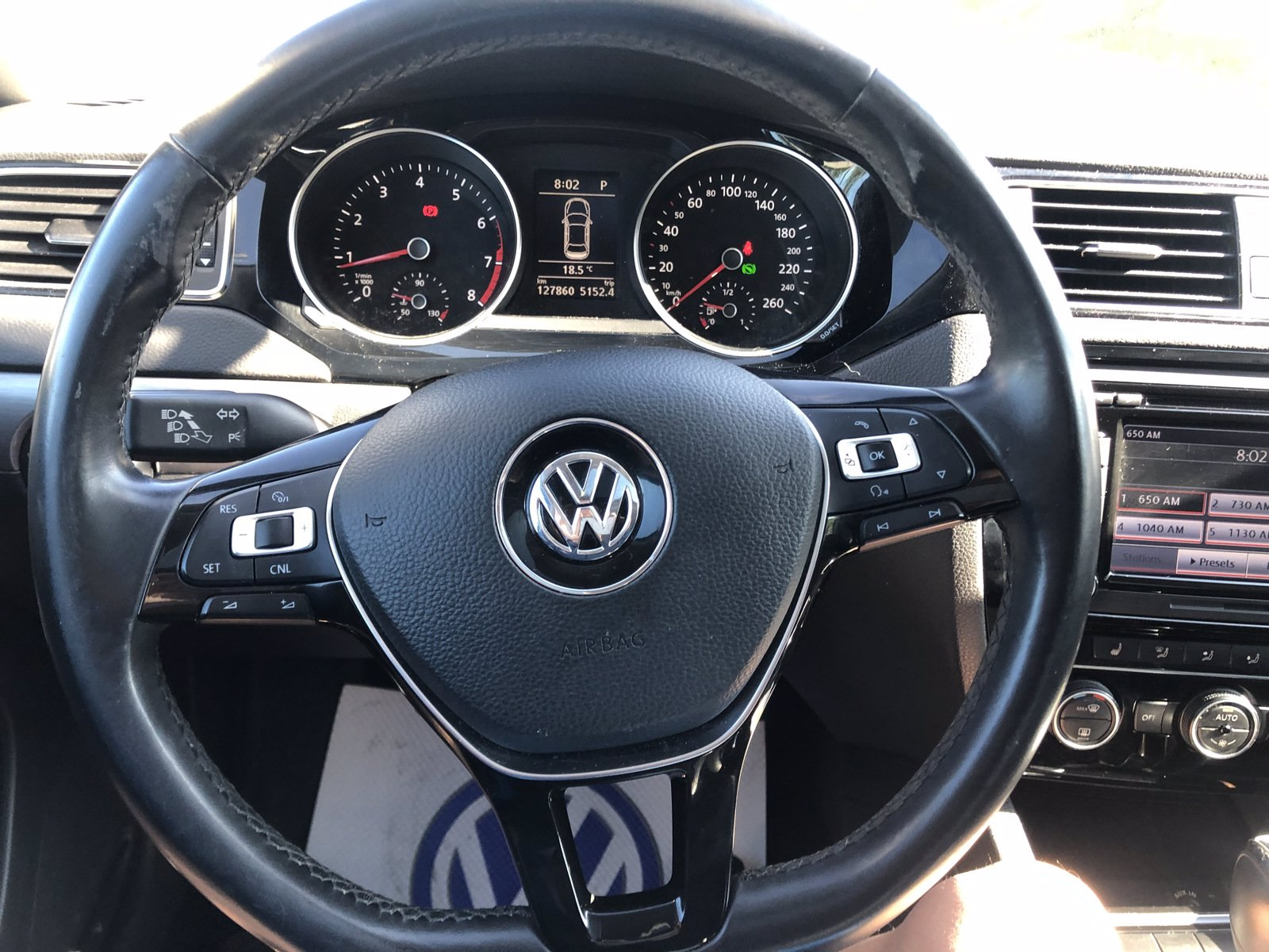 Pre-Owned 2015 Volkswagen Jetta Sedan Highline TONS OF FEATURES, GREAT PRICE, B.C. CAR!