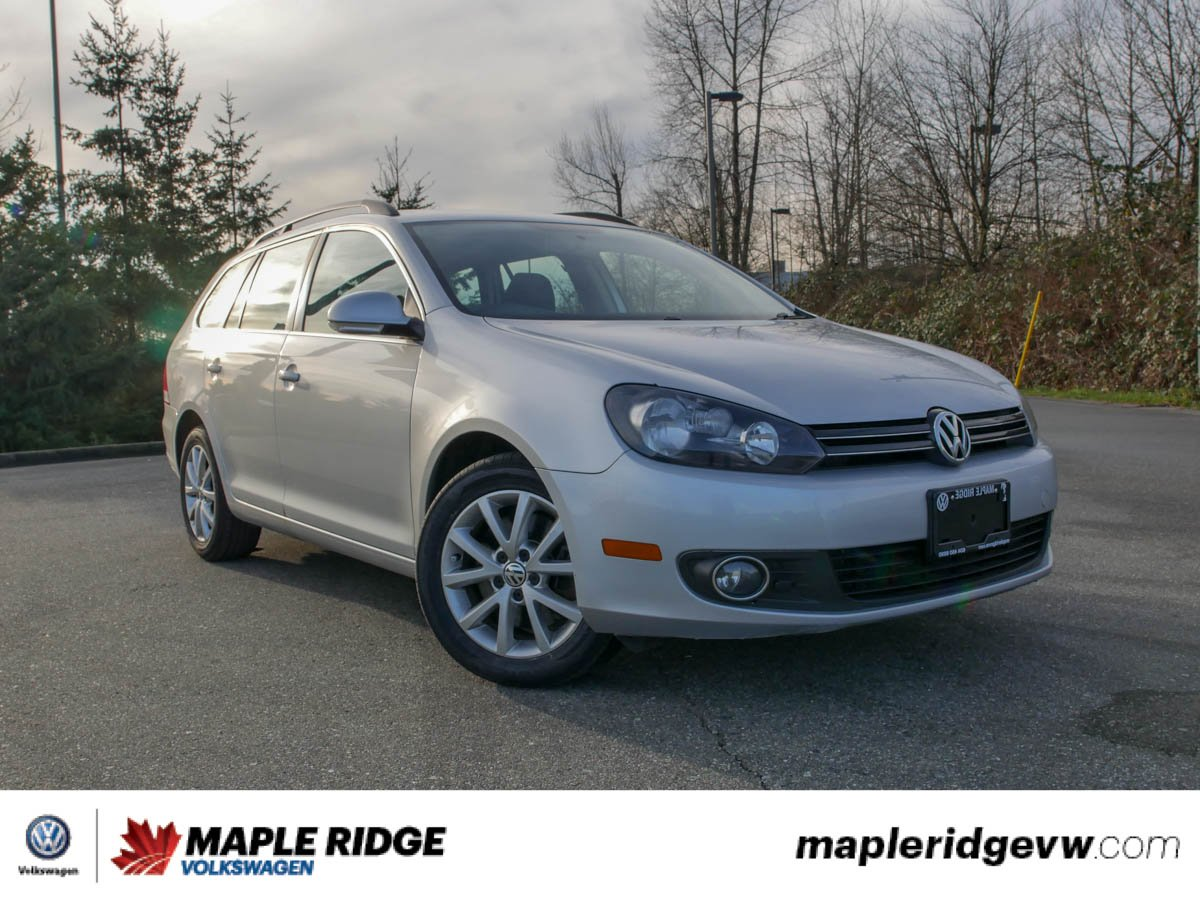 Certified Pre-Owned 2014 Volkswagen Golf Wagon DIESEL, MANUAL, BRAND NEW TIRES!