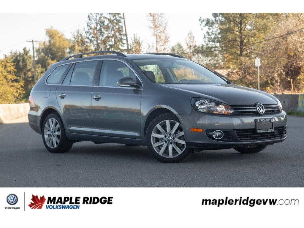 Pre-Owned 2012 Volkswagen Golf Wagon