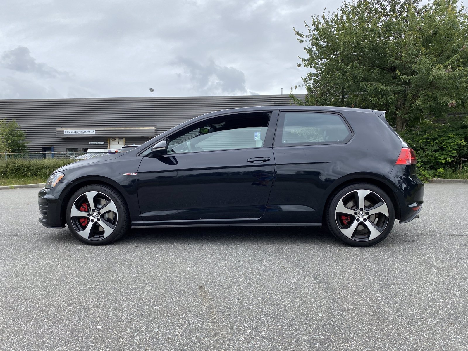 Pre-Owned 2016 Volkswagen Golf GTI Performance
