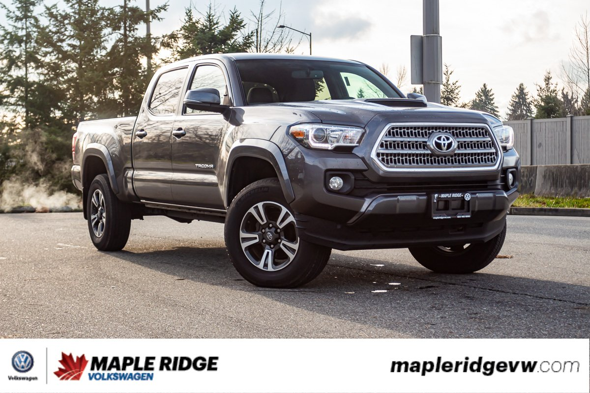 Pre-Owned 2016 Toyota Tacoma SR5 4WD, NAV, NO ACCIDENTS, LOCAL TRUCK!
