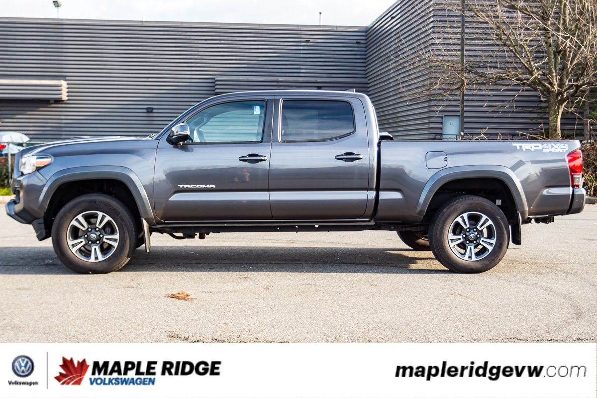 Pre-Owned 2016 Toyota Tacoma TRD Off-Road 4WD, NAV, NO ACCIDENTS, LOCAL TRUCK!