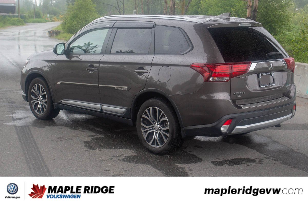 Pre-Owned 2017 Mitsubishi Outlander SE 4WD, ONE OWNER, BC CAR, LOW KM!