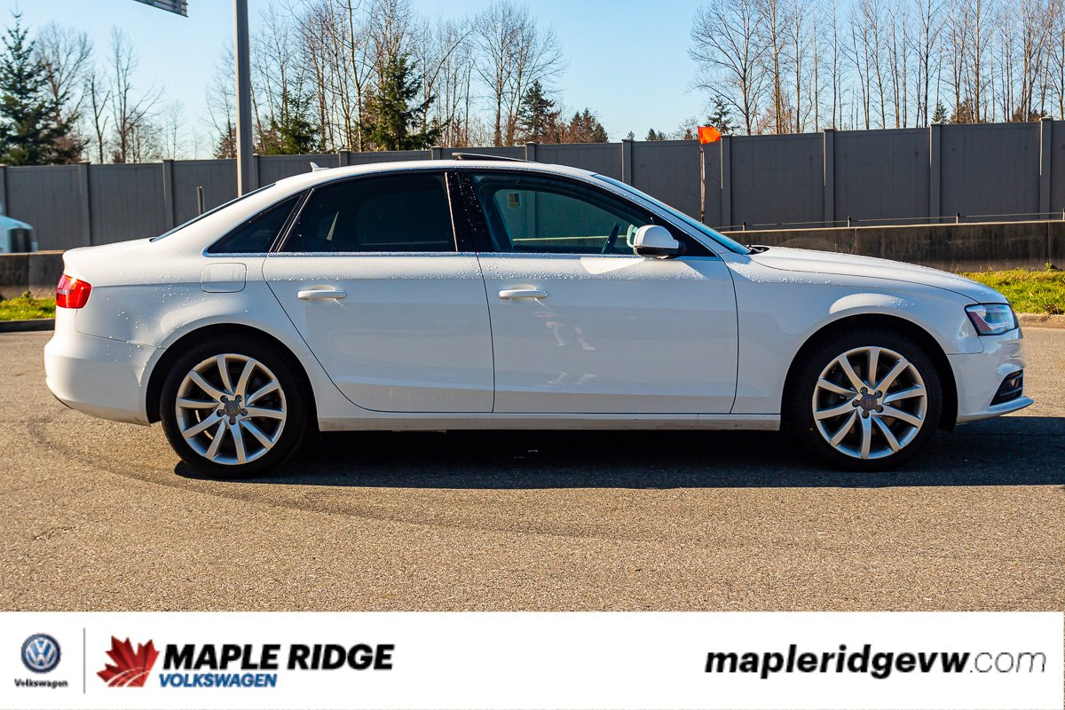 Pre-Owned 2014 Audi A4 Komfort AWD LEATHER, SUNROOF, LOW KM, LOCAL CAR!