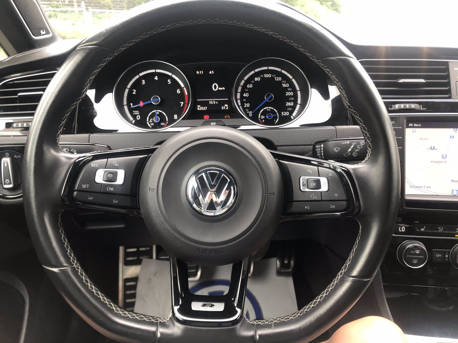 Pre-Owned 2016 Volkswagen Golf R 4MOTION