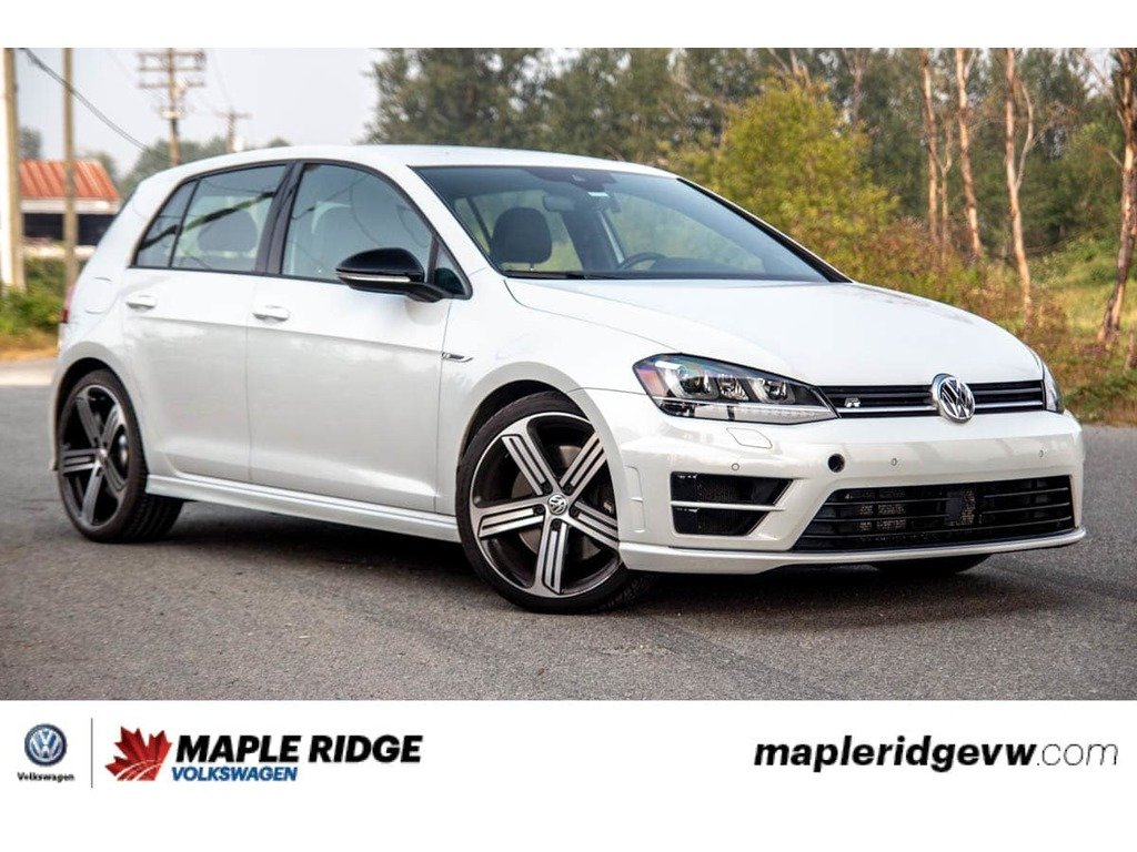Pre-Owned 2017 Volkswagen Golf R 4MOTION